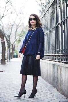 Midi_Skirt-Blue_Black_Mix-Titamad-Street_Style-outfit-13
