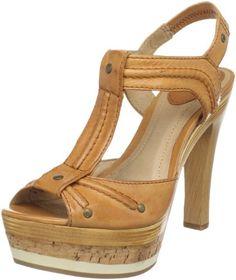 FRYE Women's Kara Trapunto T-Strap Sandal