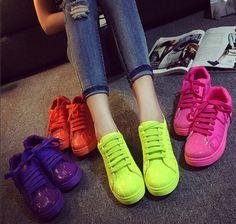 Encontrar Más Moda Mujer Sneakers Información acerca de 2015 versión coreana de la cabeza shell Sao zapatillas de color rosa para mujer plana de color zapatos casuales zapatos corrientes z106, alta calidad calzado shaper, China parte superior de zapato Proveedores, barato zapato de plástico de Han Ya Shi Trading Company en Aliexpress.com