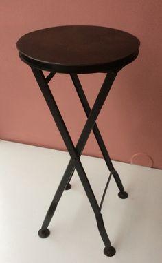 teollisuustyylinen klaffi-jakkara / sivupöytä . industrial style stool / return, 70cm SOLD