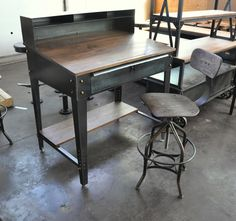 Love the contrast of wood to metal. Iron Furniture, Steel Furniture, Solid Wood Furniture, Furniture Design, Furniture Ideas, Vintage Industrial Furniture, Industrial Style, Industrial Desk, Interior