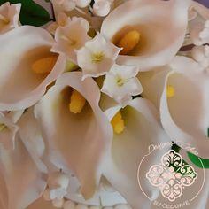 Sugar calla lilies Calla Lillies, Calla Lily, Lilies, Sugar Flowers, How To Make Cake, Cake Designs, Wedding Cakes, Cake Templates, Wedding Gown Cakes