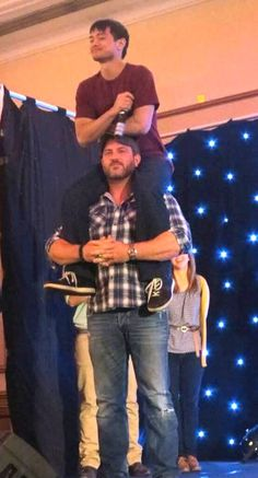 Ty Olsson and Osric Chau convention panel at Asylum10 - This is just awesome! I apprecaiate this... now Osric its my turn! :B