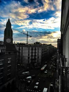 Look at the amazing sky of Barcelona!