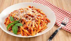 How To Make Spicy Penne Pasta Arrabiata Penne Recipes, Top Recipes, Spicy Recipes, Italian Recipes, Cooking Recipes, Spicy Pasta, Penne Pasta, Pasta Arrabiata Recipe, Pancetta Pasta