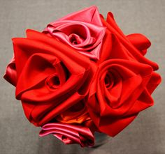 AWESOME Valentines Bouquet tutorial. Love these roses!