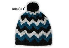 knitted sik sak hat