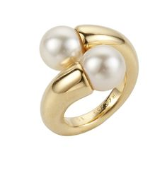 Pearl and gold ring, Nigel Milne archive.  http://www.nigelmilne.co.uk/schoeffel-pearls/