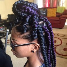 Dookie braids are thick braids that are not braided to the scalp like cornrows, instead, they hang freely. Take a look at 35 ways to style dookie braids. Black Box Braids, Short Box Braids, Blonde Box Braids, Jumbo Braids, Purple Box Braids, Jumbo Box Braids Styles, Long Braids, Box Braids Hairstyles, Hairstyle Braid