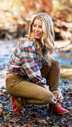 #southernshirt #fallfashion #winterfashion #womensfashion #comfy #flannel #outfit #enjoythegoodlife Mountain Fashion, Southern Shirt Company, Classy Women, Classy Lady, Preppy Style, Flannel, Winter Fashion, Style Inspiration, Hiking Outfits