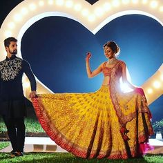 Know all you need to know about throwing an amazing bollywood themed pre-wedding party! Bollywood Lehenga, Bollywood Fashion, Saree, Choli Designs, Lehenga Designs, Bridal Shoot, Wedding Photoshoot, Wedding Shoot, Bollywood Theme Party