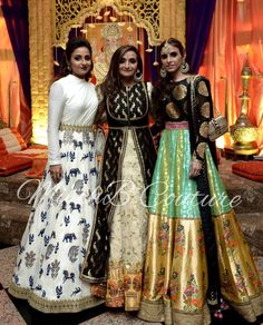 Order contact my whatsapp number 7874133176 Spotted in MischBCouture Pakistani Dresses, Indian Dresses, Indian Outfits, Indian Sarees, Indian Clothes, Lehenga Designs, Kurta Designs, Blouse Designs, Indian Attire