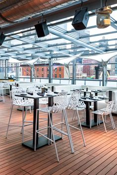 The roof has an indoor lounge, an outdoor bar, cabanas and a side deck with a firepit. The Godfrey Hotel Chicago (Chicago, Illinois) - Jetsetter