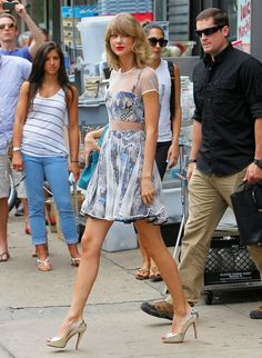 Taylor Swift Photos - Taylor Swift Leaves The Gym In NYC - Zimbio