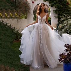 Wedding Dresses With Straps, Wedding Dress Sleeves, Elegant Wedding Dress, Dream Wedding Dresses, Bride Dresses, Bohemian Style Wedding Dresses, Princess Wedding Dresses, Backless Wedding Dresses, Boho Lace Wedding Dress