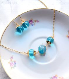 Turquoise jewelry set dangle earrings big beeads necklace Big Earrings, Turquoise Jewelry, Jewelry Sets, Dangles, Gems, Blue, Diy, Jewelery, Accessories