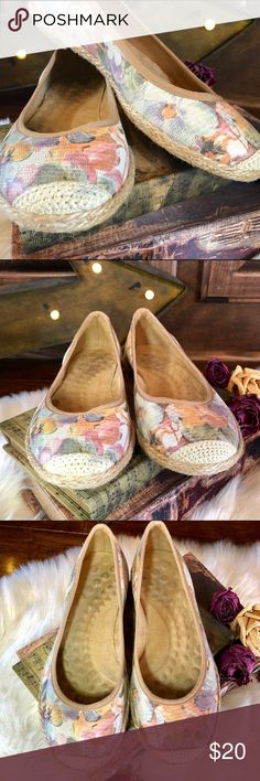 Michelle D woven rope flower flats! Michelle D 🌸 floral lizard ballet flat with woven rope trim. Purchased at Dillard's for a spring vacation. Only worn twice, small mark on right toe. Barely broken in... 🚫No Trades Michelle D Shoes Flats & Loafers