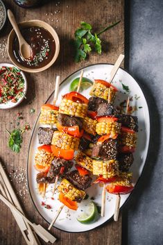 Asiatische Grillspieße mit Hoisin-Marinade | Foodlovin' Hoisin Sauce, Food Photography, Ethnic Recipes, Dressings, Dips, Marinated Beef, Husk Corn, Proper Tasty, Asian Recipes