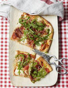 Plat italien incontournable, la pizza séduit encore et toujours. Régina, napolitaine, aux trois fromages ou encore aux champignons, ces versions ultra-connues...