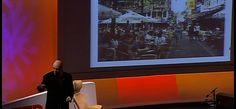 Howard Kunstler et le désastre de la civilisation américaine  C'EST UN GRAND MOT POUR DIRE CIVILISATION  MAIS PLUTOT  UN ABRUTISSEMENT DES CITOYENS DE LA PLANETE  PAR LE MENSONGE DE LA CONSOMMATION A TOUT PRIX