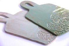 New Pictures Slab Ceramics cheese boards Popular Ceramic Cheese Platter/Cutting Board, handmade pottery, lace imprint, ceramic serveware, wedding gi Hand Built Pottery, Slab Pottery, Ceramic Pottery, Pottery Art, Ceramic Tableware, Ceramic Clay, Slab Ceramics, Clay Plates, Pottery Store