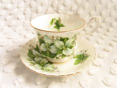 Vintage Royal Albert Trillium Teacup Saucer Montrose Shape Tea Cup