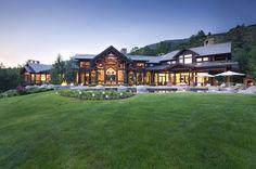 Luxuriously modern Colorado mountain home Colorado Mountain Homes, Colorado Homes, Mountain Living, Colorado Mountains, Aspen Colorado, Mountain Style, Mountain Cabins, Mountain Modern, Colorado Springs