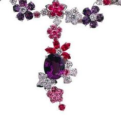 diamond flower necklace by Van Cleef & Arpels