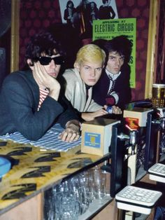 Tony James, Billy Idol and Gene October of early punk band Chelsea in 1976 Photo by Sheila Rock One Wave, The New Wave, 70s Punk, Billy Idol, Time Capsule, Punk Rock, Rock N Roll, My Idol, Chelsea