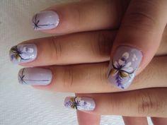 Nail Art usando pincel duplo para decorar com duas cores ao mesmo tempo, resultando em unhas lindas e delicadas!!! Tudo para suas unhas em: www.lojadeesmaltes.com.br