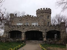 Tiffany Castle, nestled in Historic Northeast, is back on the market Castles In America, Kansas City Missouri, Historic Homes, City Life, Great Places, Beautiful Homes, Tiffany, Buildings, Places To Visit