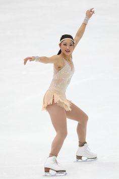 長洲未来(米国)NHK杯・第2日(男女・ペアFS、アイスダンスSD)