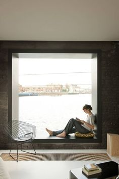 window seat in main bedroom? Modern Window Seat for main bedroom instead of balcony Modern Window Seat, Modern Windows, Window Seats, Window View, Interior Architecture, Interior And Exterior, Installation Architecture, Corner House, My New Room