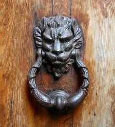 Heurtoir à tête de lion à Venise.