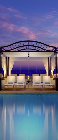 Surf And Sand Resort in Laguna Beach, California. Love the cabana.