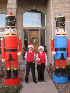 How to build two 9 foot nutcracker soliders