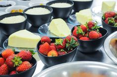 Risoto de morango: morango, queijo parmesão e arroz arbóreo | Risotto Strawberry: strawberry, parmesan cheese and Arborio rice