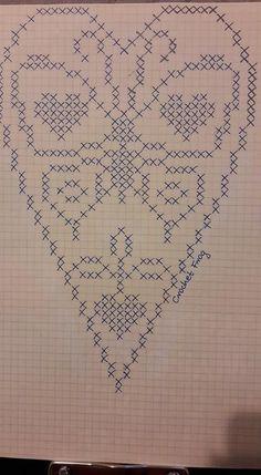How to make a crochet fan short very easy Filet Crochet, Crochet Cross, Crochet Chart, Crochet Home, Crochet Doilies, Cross Stitch Heart, Cross Stitch Borders, Cross Stitch Designs, Cross Stitch Patterns