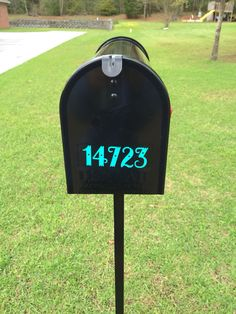 Adhesive vinyl on a mailbox