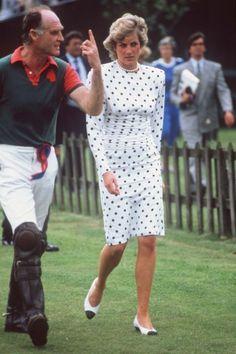 Alpha 00789 Major Ronnie Ferguson - with Princess Diana at a Royal Polo Match During the Ferguson Scandal. Ronald Ferguson Obit Alpha/Globe Photos,inc. Prince And Princess, Princess Of Wales, Princess Diana Pictures, Charles And Diana, Prince Charles, Hm The Queen, Polo Match, Duchess Of York, Diane