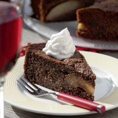 Rotweinkuchen mit Birnen und Schokolade