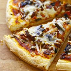 Discover our easy and fast recipe of Gluten Free Pizza on Current Cuisine! Find the preparation steps, tips and advice for a successful dish. Gluten Free Cooking, Gluten Free Recipes, Gourmet Recipes, Snack Recipes, Coconut Milk Curry, Salty Foods, Healthy Pizza, Pizza Hut, Recipes