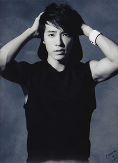Donghae One of my other SuJu biases. Can you blame me?