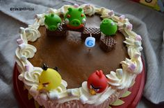 Kirsin keittiössä: Angry birds - täytekakku
