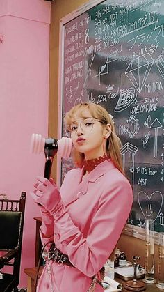 You are in the right place about manga garon Here we offer you the most beauti. Blackpink Lisa, Jennie Blackpink, Kpop Girl Groups, Kpop Girls, Laura Lee, Lisa Blackpink Wallpaper, Wallpaper Wallpapers, Photo Wallpaper, Black Pink Kpop