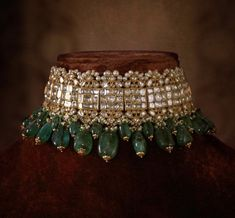 Indian Jewelry, Sabyasachi Choker Necklace Indian Necklace Set, Kundan Jewelry, 2 choices - New Ideas Indian Jewelry Sets, Indian Wedding Jewelry, Bridal Jewelry Sets, Pakistani Jewelry, Bridal Jewellery, Indian Bridal, Indian Necklace, Luxury Jewelry, Gold Jewelry