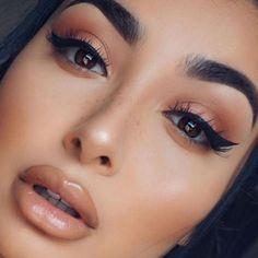 Beautiful @theninavee @shophudabeauty lashes in Alyssa & Samantha ✨ Follow CindyLBB✨ Instagram: @cindyslbb Pinterest: @cindyslbb Snapchat: @cindyslbb
