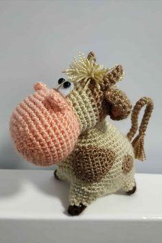 Meisterklasse Grundel Amigurumi - МК и схемы амигуруми Crochet Cat Toys, Crochet Cow, Crochet Teddy Bear Pattern, Crochet Dinosaur, Crochet Rabbit, Crochet Mermaid, Easter Crochet, Crochet Doll Pattern, Cute Crochet