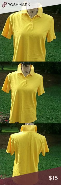 """✂$4 Kim Rogers cute placket shirt Bright yellow collared shirt. 100% cotton. Size S but measurements are generous for a small. Armpit to armpit 18"""" length 24"""" Kim Rogers Tops"""