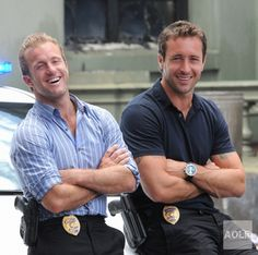 Promo Pic 2x22 - CBS - Alex O'Loughlin and Scott Caan